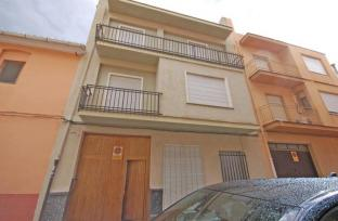 Town House in Pego for sale