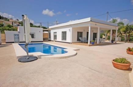 Country Property and Pool in Pego for sale